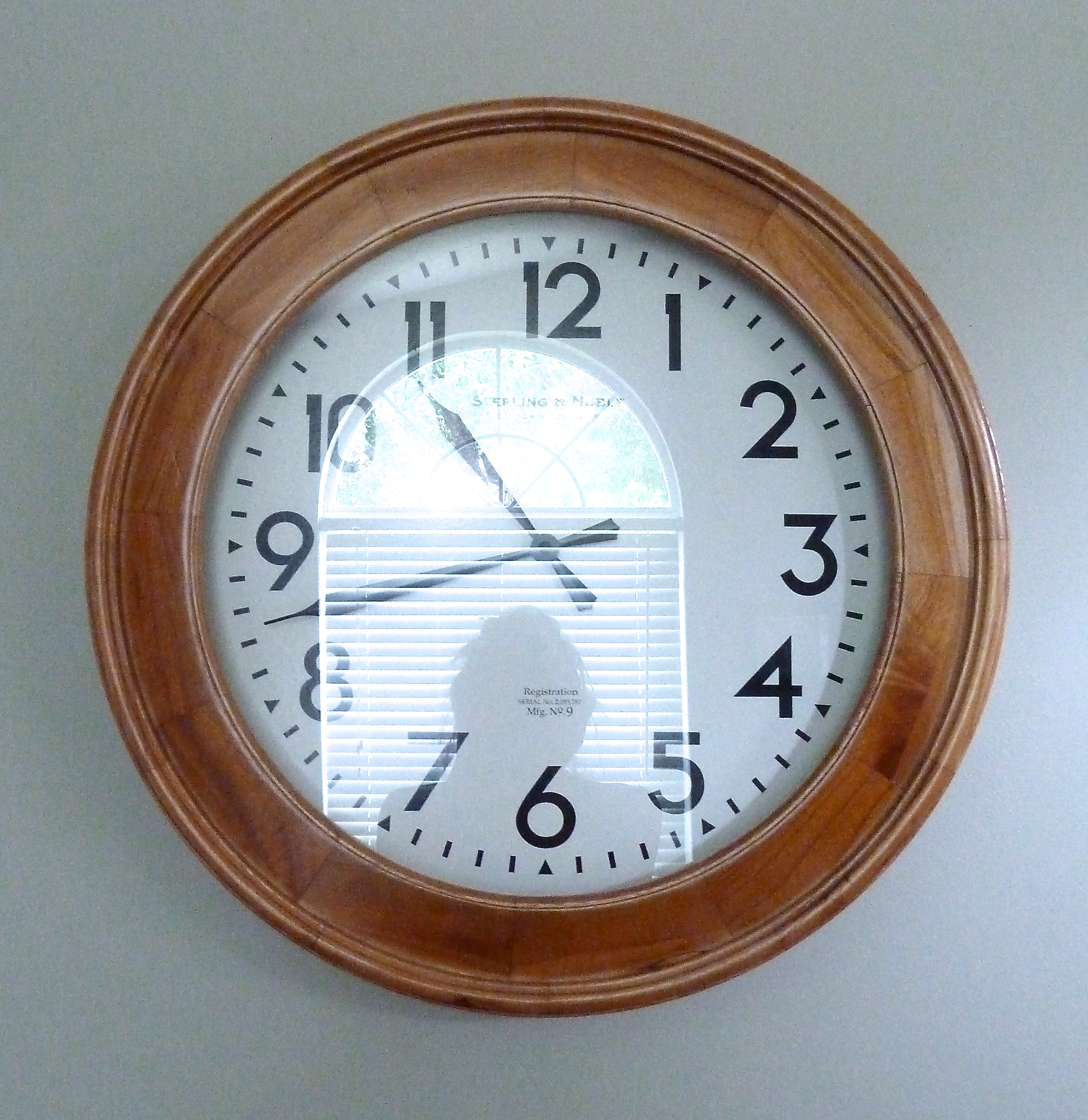 wall clock the mace place